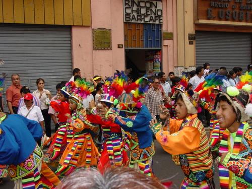 Lima_plaza_des_armes_parade_ix