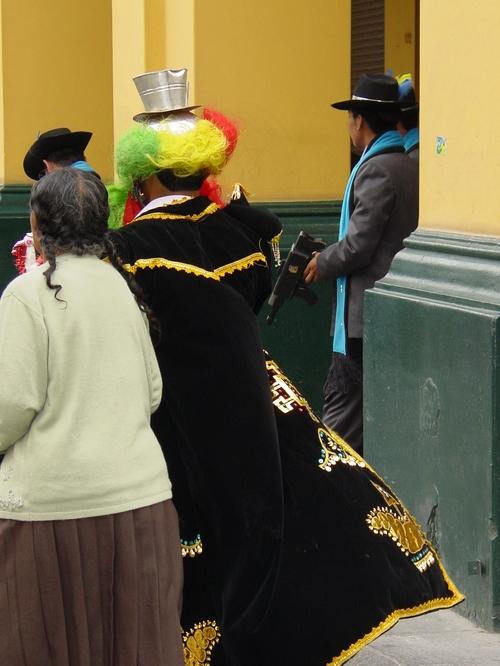 Lima_plaza_des_armes_parade_v