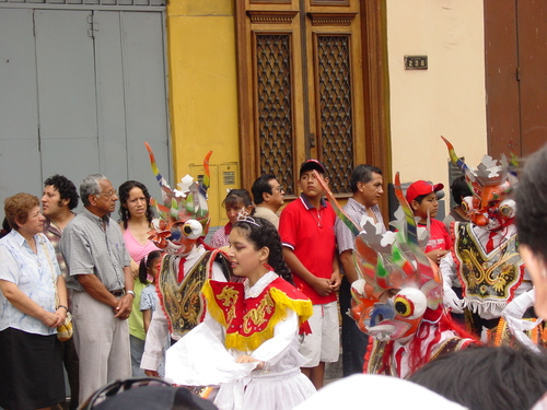 Lima_plaza_des_armes_parade_vi