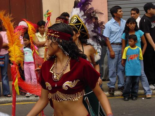 Lima_plaza_des_armes_parade_vii