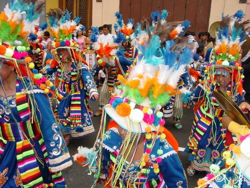Lima_plaza_des_armes_parade_xii