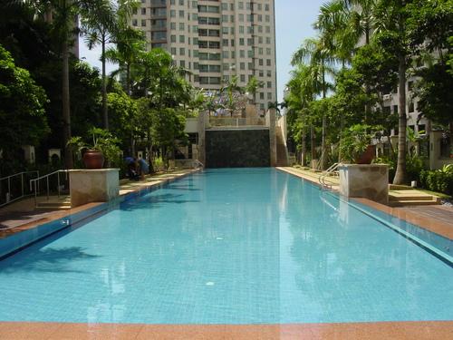 Singapore_cynthias_pool