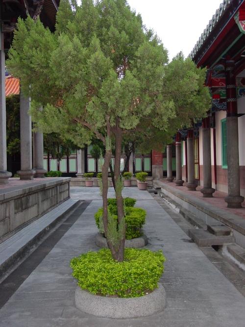 Taipei_confucious_temple_v