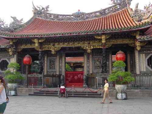 Taipei_longshan_temple_ii