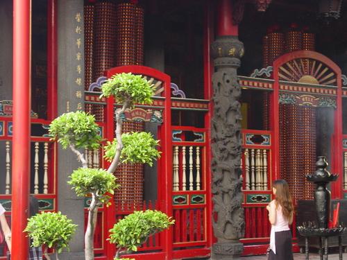 Taipei_longshan_temple_v