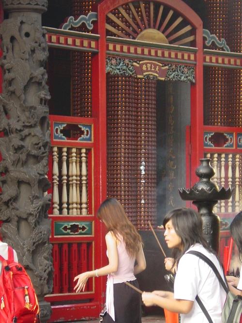 Taipei_longshan_temple_vi