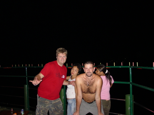 Koh_phangan_big_shawn_and_the_girls