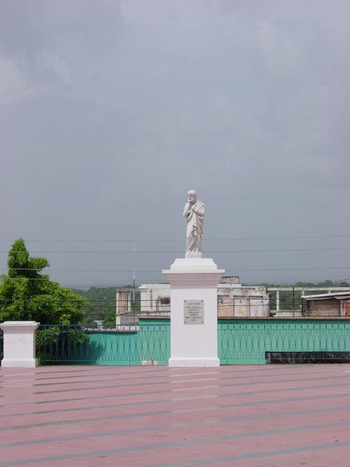 Ciudad_bolivar_statue