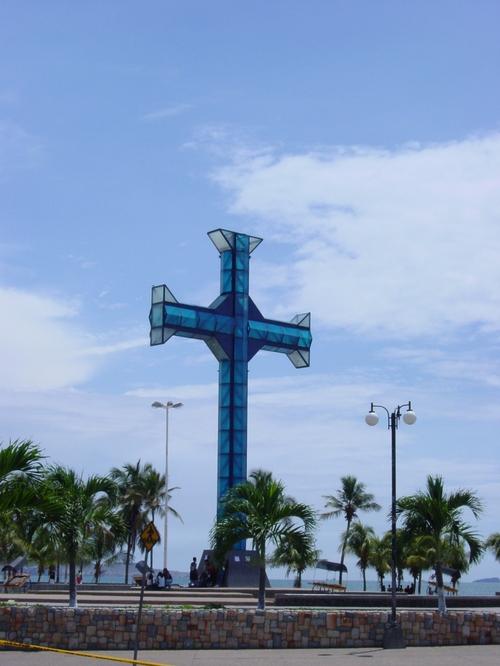 Puerto_del_la_cruz_beach_cross