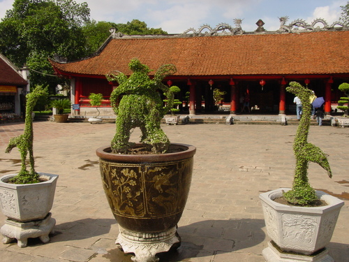 Hanoi_temple_of_literature_ii