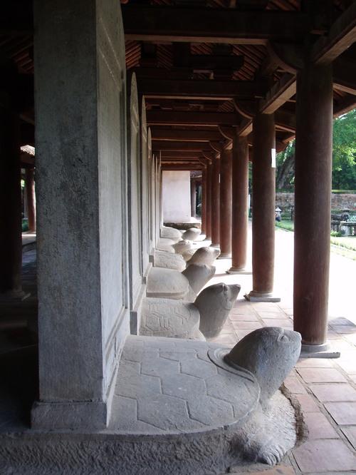 Hanoi_temple_of_literature_ix