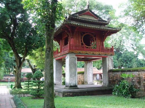 Hanoi_temple_of_literature_vii